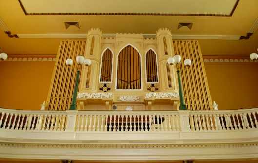 organ at Old St. Joesph's