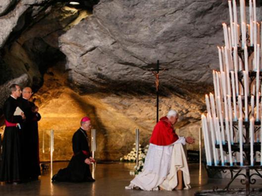 pope-benedict-xvi-lourdes-france_large