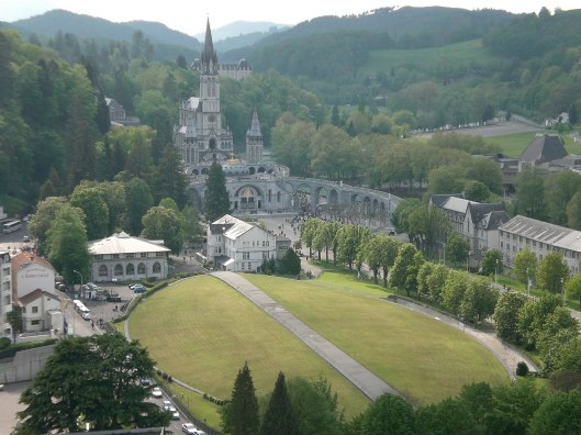 shrine-at-lourdes-2